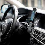 Esta es la razón por la que los puertos USB de tu coche son tan lentos al recargar tu móvil