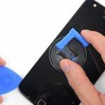 Motorola, a favor del derecho a reparar: son los primeros en poner a la venta un kit de reparación para sus usuarios